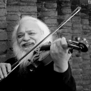 Roberto Lecaros Venegas - 69